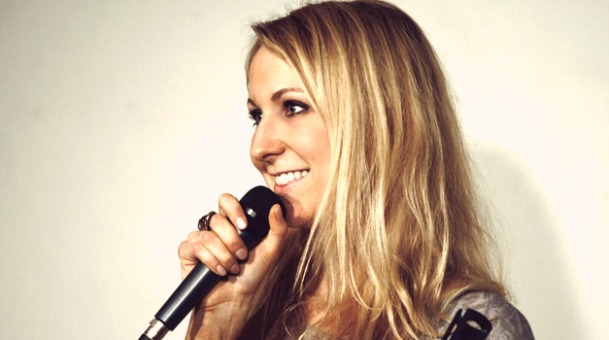 Nikki-Glasser-comedian
